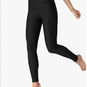 Beyond Yoga QUILT black leggings size M $99